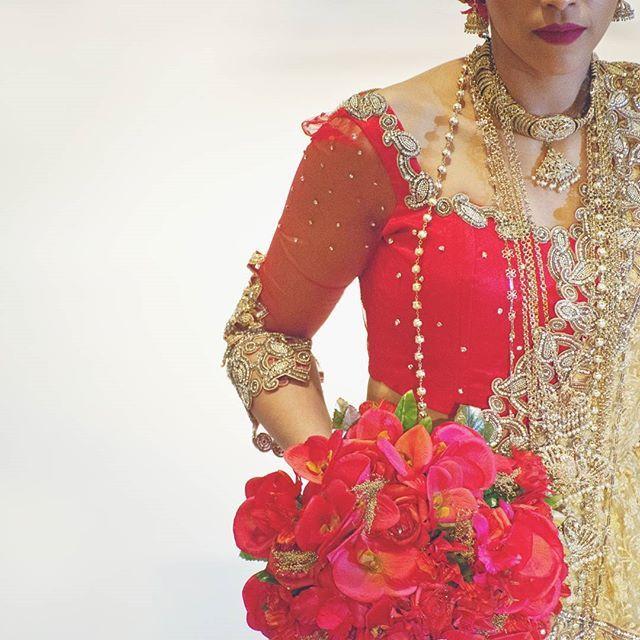 #purnimaphotography   #photographemariageparis #photographemariage #photographe #mariageparis #mariage #photographefemme #amour #bonheur #instamariage #belle  #weddingphotographyparis #srilankaise #weddingphotography #weddingparis #wedding #love #happiness #instawedding #instagood #beautiful #marieeenrouge #rouge #свадебныйфотографпариж #свадьбапариж #mariee #nikon #nikonfr #lagarennecolombes