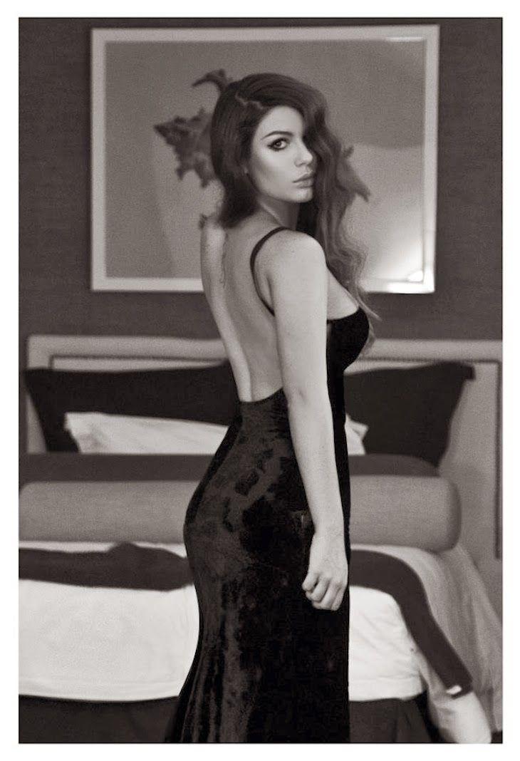 #photography #fashion #girl #model #fashionblogger #fashionblog #photographer #fashionphotography Nima Benati fotografa photographer, intervista, foto colorate e in bianco e nero moda, fashion colored photography, amanda marzolini, the fa...