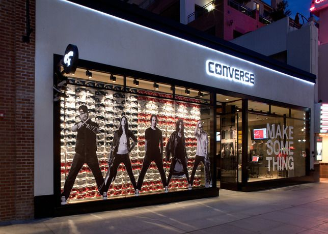 d2bb932b8d302 Converse Santa Monica  store  retail  window  design