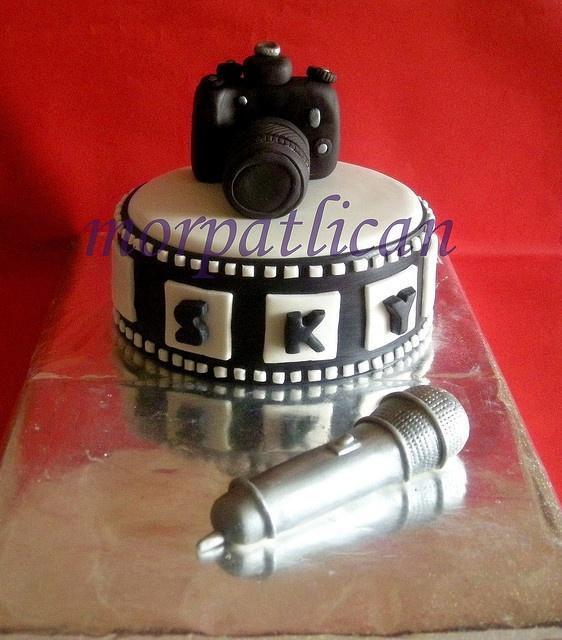Camera & Microphone Cake: Id rather radio than camera.