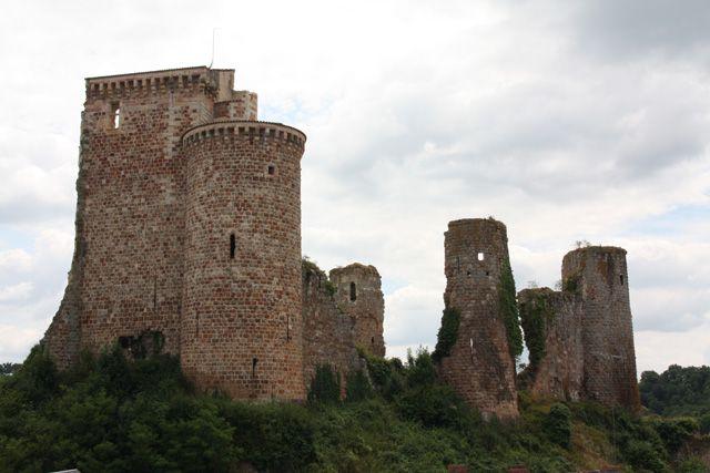 Château d'Hérisson ►► http://www.frenchchateau.net/chateaux-of-auvergne/chateau-d-herisson.html?i=p
