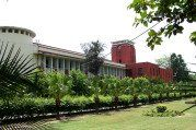 #EducationNews HC told to set up a committee in order to probe police misbehavior in Ramjas College