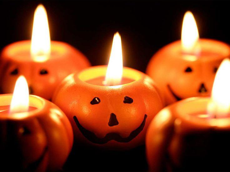 Prepare a fantasia, as abóboras, lençóis brancos, teias de aranha, velas e morcegos porque a magia está solta.