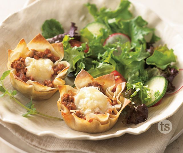 Mama Mia Lasagna Cups - Individual lasagna for each family member - can be made ahead of time, perfect for that busy weeknight. #freezermeals TSbyJacki.com