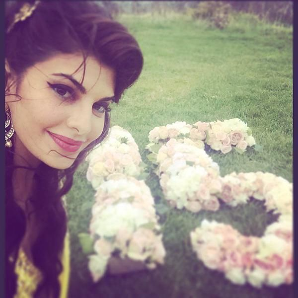 """""""JACQUELINE FERNANDEZ Chashing Her Goal Of 15..What's Yours Eh?!!"""""""