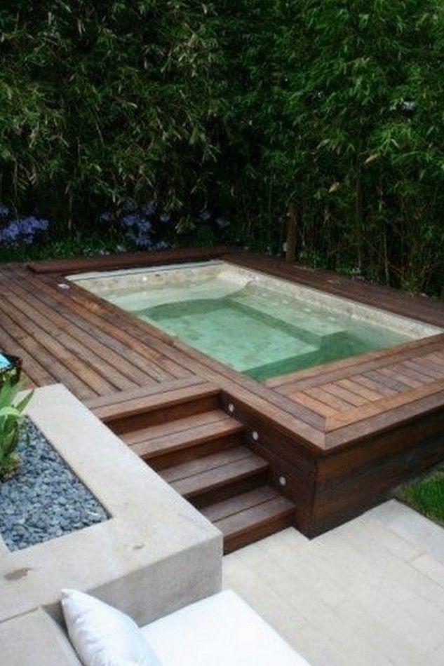 Con l'estate e le temperature elevate, chi non sogna di avere una piscina privata in casa dove rilassarsi e rinfrescarsi? Un miraggio, soprattutto per chi pensa di non avere spazio sufficiente.