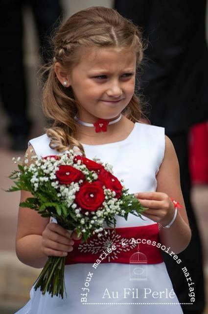 Parure mariage cortège enfant fleurs rouge blanc