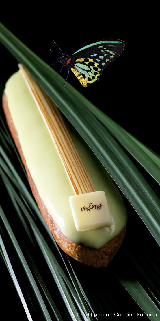 Lenôtre - Éclair au citron, garni d'une crème légère au citron et yuzu et nappée d'un fondant aux zestes de citron.