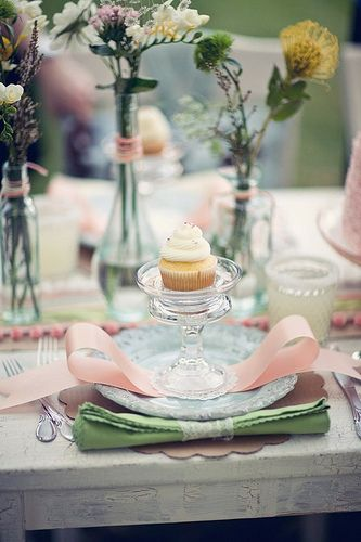Nice table with cupcake .:. Decoração de mesa com cupcake .:. Verde e rosa .:. Green and pink