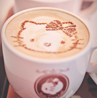 Latte art @Heather Creswell Creswell Creswell Gennarelli it's Hello Kitty!