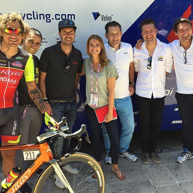 """Such a great time this morning with all these guys. """"Memories from Quick Step 2006"""". Thank you all for being part of it! Soon on @Eurosport!  #PippoPozzato #JuanmaGarate #MatteoTosatto #RikvanSlycke #AddyEngels #DavideBramati #Eurosport #QuickStep #cycling"""