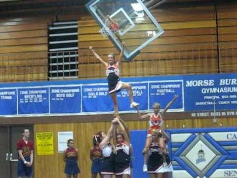 cheer stunt pyramid - YouTube