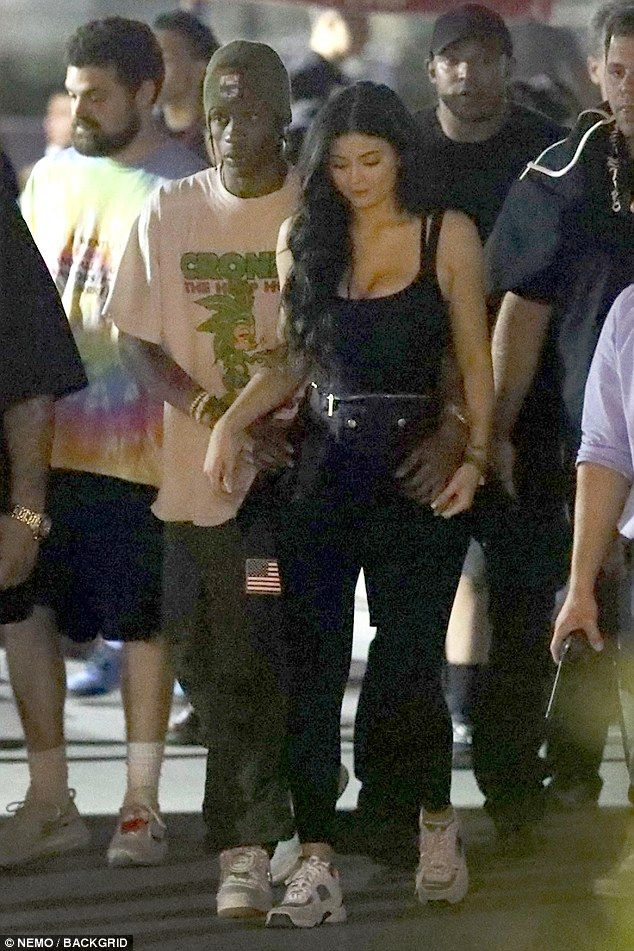 5794270eb365 Kylie Jenner snuggles up to Travis Scott at Magic Mountain | kylie jenner | Kylie  jenner, Kylie travis, Kylie