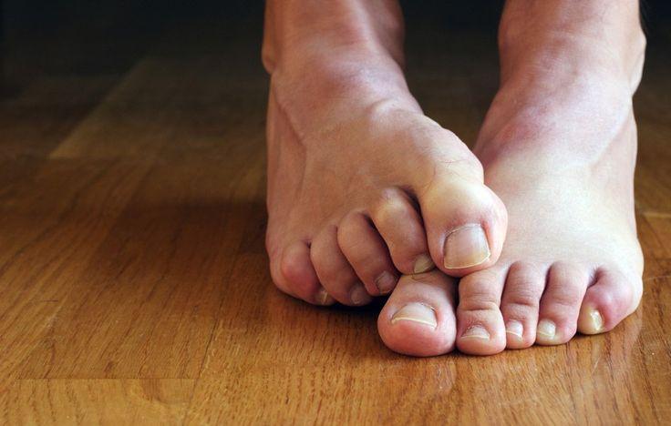 Fáj, érzékeny, vagy görcsölni szokott valamelyik a lábujjad? Nézd meg, milyen betegségre utal! - Nyugdíjasok