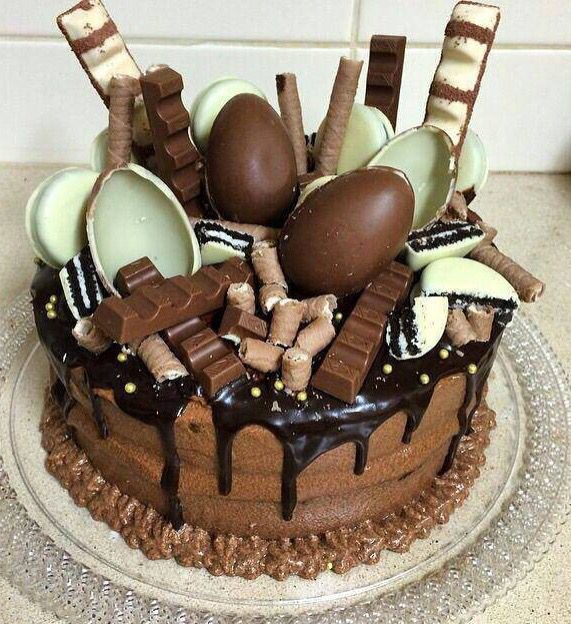 :) Kinder surprise cake | Más en https://lomejordelaweb.es