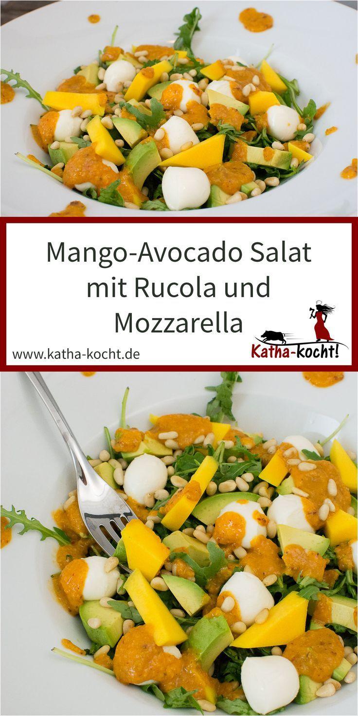 Dieser Mango-Avocado Salat mit Rucola und Mozzarella ist nicht nur fruchtig leic