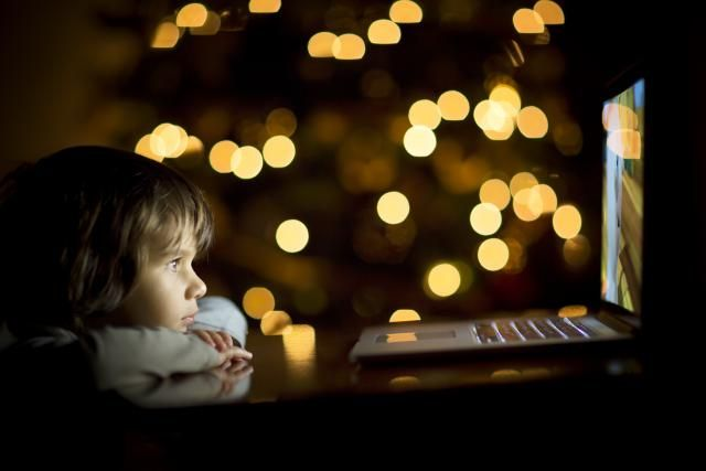 Wondering where you can watch Christmas movies online for free? Amazingly, YouTube has enough of them to keep you entertained the whole holiday season! Here are 50 worth checking out.