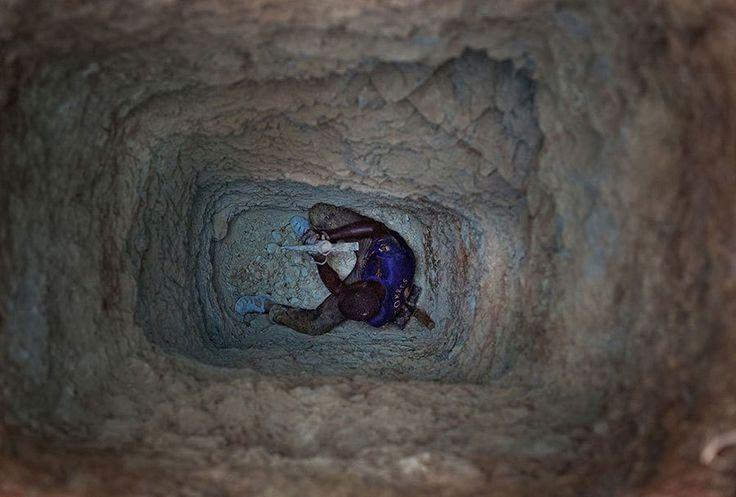 «Σκάβοντας το Μέλλον»: 20 φωτογραφίες που δείχνουν το πραγματικό τίμημα εξόρυξης του χρυσού