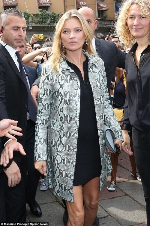 September 17 2014 | Kate Moss shows off her slim pins in...