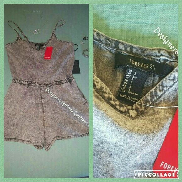 Forever 21Juniors Size Small Shorts Jumper Suit Juniors adjustable straps shorts jump suit Size small  Style Acid wash 2 side to front pockets  Slip on Forever 21 Other