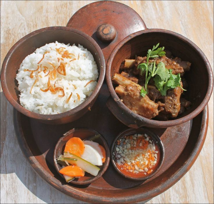 HOTEI SUON RAM MAN  Pork Ribs served with Rice and Pickle