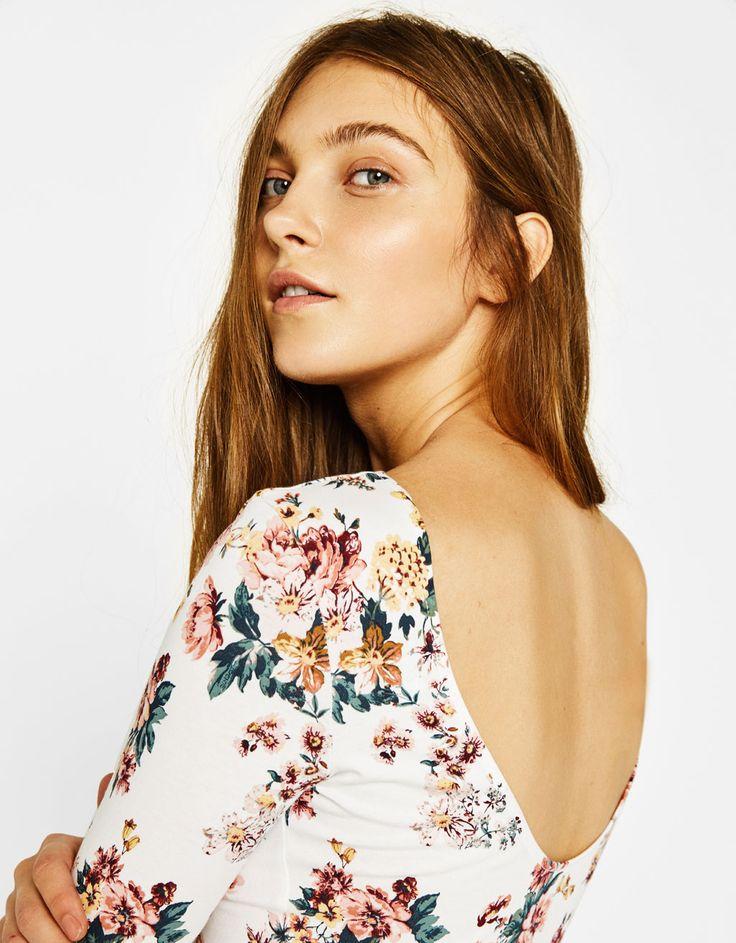 Bershka Colombia - Body con estampado de flores