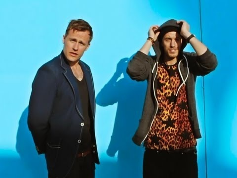 Love these guys. Love this song. Love this video. Love the colours. LoveLoveLove. Nik & Jay - Mit Hjerte