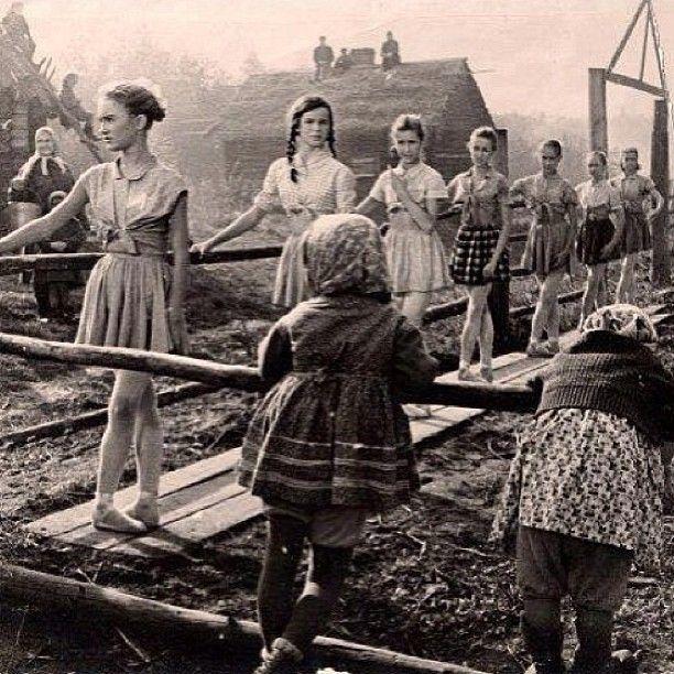 ballet class in Russia during the war. Oh my goodness I just love this picture. No matter what happens, dancers have to dance.