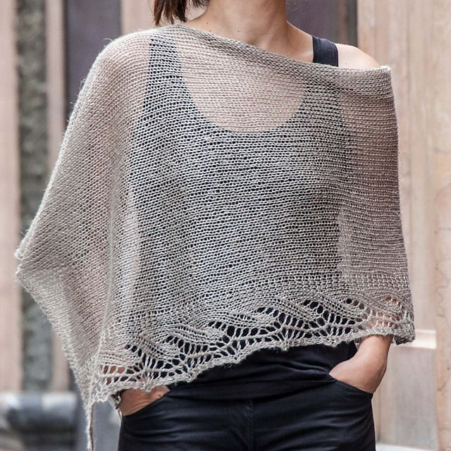 Ravelry: Project Gallery for Chal/Poncho Emilia pattern by ...