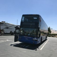 ロサンゼルスーサンフランシスコ間の移動にメガバスをつかいました 安いですwifiやコンセントもあり携帯の充電も出来て長旅にもありがたかっだですまた飛行機では見れない行く途中の風景が見れるのも楽しいです ただバス停の周りは治安があまり良くない所が多いらしいのでバス停まではUber使いましたUber便利です #長距離バス#メガバス#Uber#アメリカ tags[海外]