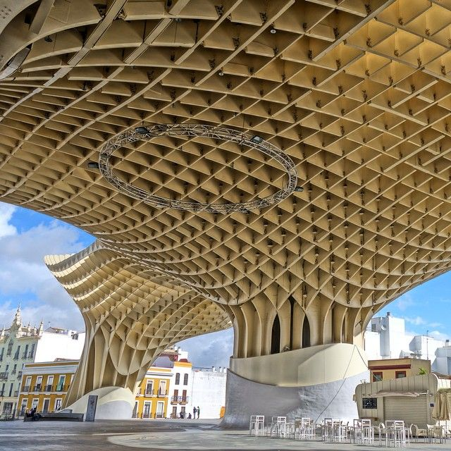 I love this... it reminds me of a honeycomb. What do you think? Metropol Parasol, Seville.