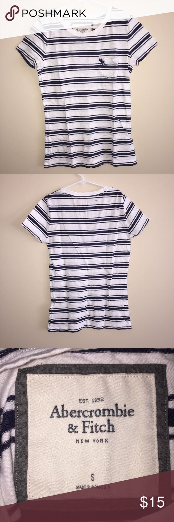 Abercrombie and Fitch Navy&White Striped T-Shirt Abercrombie and Fitch Navy and White Striped short sleeve T-Shirt Abercrombie & Fitch Tops Tees - Short Sleeve