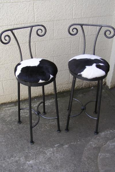 horned stools with cowhide seats & 308 best Bar stools images on Pinterest | Counter stools Chairs ... islam-shia.org