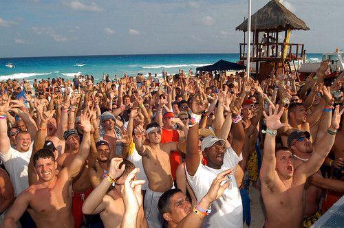 ExhibitTours.com Spring Break Cancun 2013! Hit us up at 888.437.0772 or info@exhibittours.com