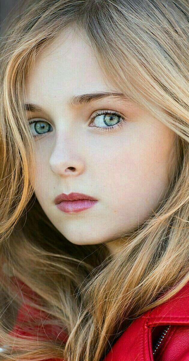Que bella es esta niña