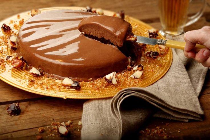 Gelado de chocolate com crocante de castanha