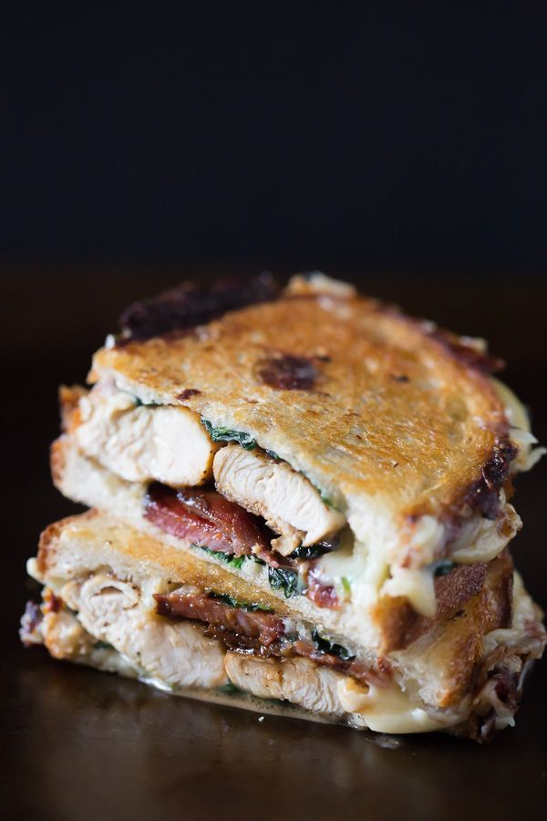 Chicken Bacon Spinach Grilled Cheese #chicken #bacon #comfortfood