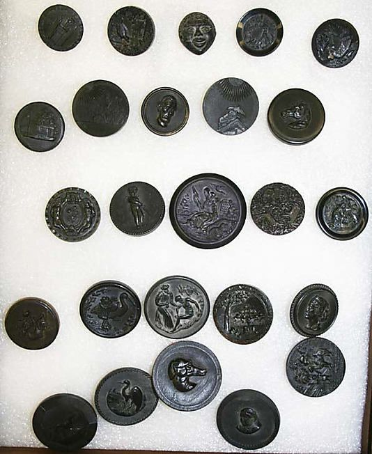 Dating vintage buttons