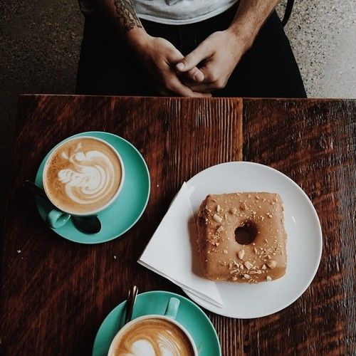 laurenarlene: Visiting places I've never been is way better with this man by my side. (at 49th Parallel Coffee Roasters Ltd.)