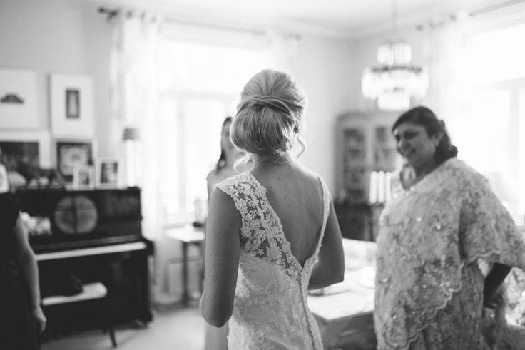 elegant multicultural wedding Julia Lillqvist   Jonna and Hutan   Finsk-Indiskt bröllop i Jakobstad   http://julialillqvist.com