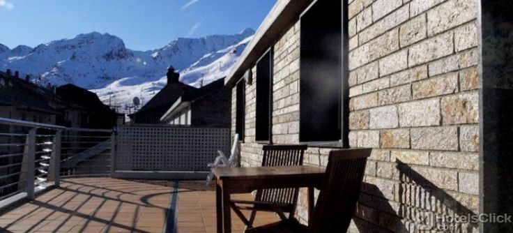 Hotel Alaska is located in Andorra, in the centre of Pas de la Casa, just 100 meters from the beautiful ski slopes! Rooms with kitchenette, microwave, cooking utensils, refrigerator, toaster and coffee machine, and living room with satellite TV, sofa. http://www.hotelsclick.com/hotels/Andorra/Andorra_La_Vella/120848/Hotel-Alaska.html