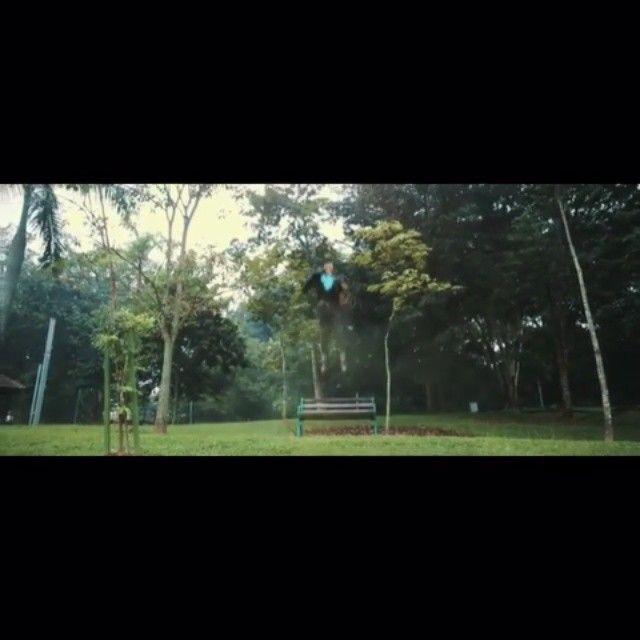 repost from @nevespugly -  A teaser of B by Neves Cugat. InshaaAllah akan release soon #mv #musicvideo #magic #superhero #macho #orangseni #kerjanyanyinyanyi #kassimselamat #cdbagasimusic #emimalaysia #malaysianartiste #music #bforbongok #bongok #videoclip #thisimalaysia #perezoldskool #ukelele