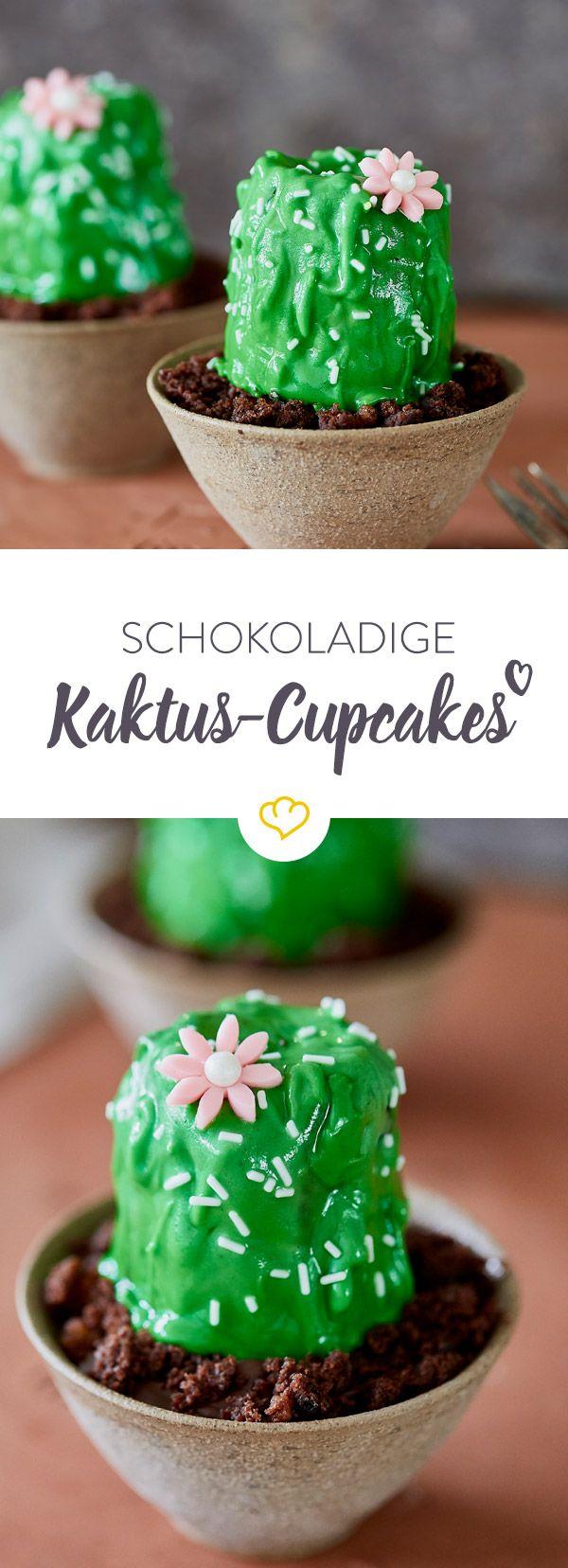 Dein kleiner grüner Kaktus steht heute nicht auf dem Balkon, sondern als schokoladiger Cupcake mit farbenfroher Zuckerglasur auf der gedeckten Kaffeetafel.