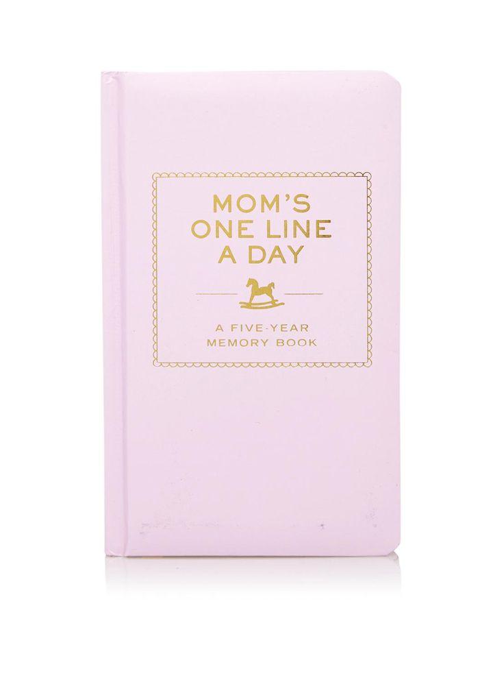 """Een dagboek bijhouden is niet weggelegd voor iedereen. Maar toch is het wel erg leuk om herinneringen vast te leggen, zeker als je net moeder wordt/ bent geworden. Deone line a year – 5 year memory bookis hierbij de uitkomst. Zoals Flow Magazine het beschrijft: """"dit boek past helemaal bij de eenvoud en haalbaarheid waarnaar we op zoek zijn in onze drukke levens"""".  5 jaar lang, schrijf je elke dag 1 of 2 zinnen op over je kindje en wat je hebt gedaan. Zo kun je eerste woordjes, leuke…"""