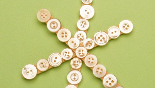 Want an easy craft to do with your little ones? Make these Sparkling Snowflakes with popsicle sticks. Add buttons of any size or color to personalize each ornament!