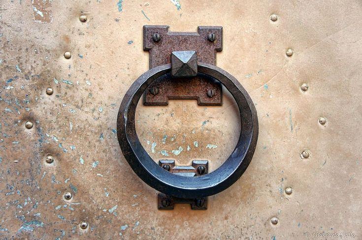 Door knocker by Giancarlo Gallo