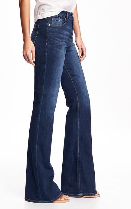 We adore high-rise jeans (who doesn't love legs for days?). These ones have a vintage, '70s-inspired flare and modern dark wash. Pair them with a white tee and stacked sandals before heading out the door.