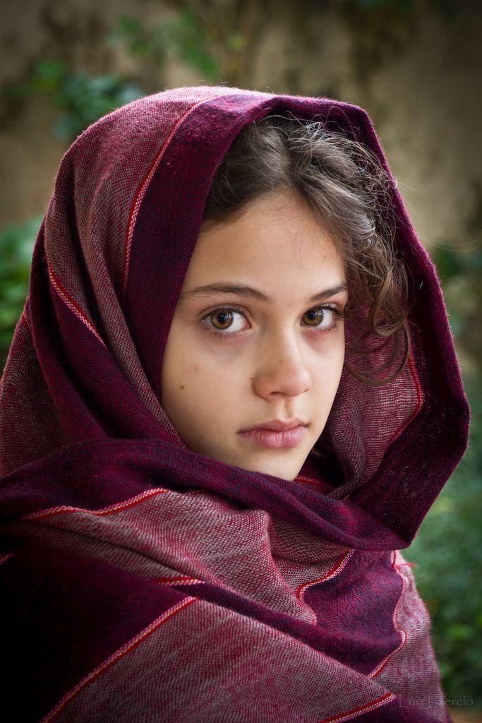 Pin by Gladys Paulino on Etnias | Afghan girl, Beautiful