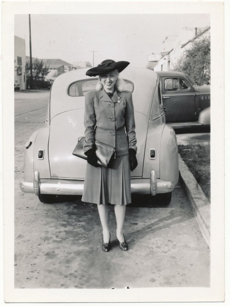 Vintage Photo, Beautiful Woman in Front of Car, 1940s Fashion... What a smile, what a hat, what a hot tamale! Look at those gams... ;)