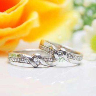 Model cincin kawin Asytar mempunyai desain yang elegant berhiaskan sebuah permata bulat sebagai permata utama dan permata-permata kecil di sisi atas dan bawah cincin.   http://zlatajewelry.com/cincin-kawin-asytar-palladium-dan-emas-putih.html